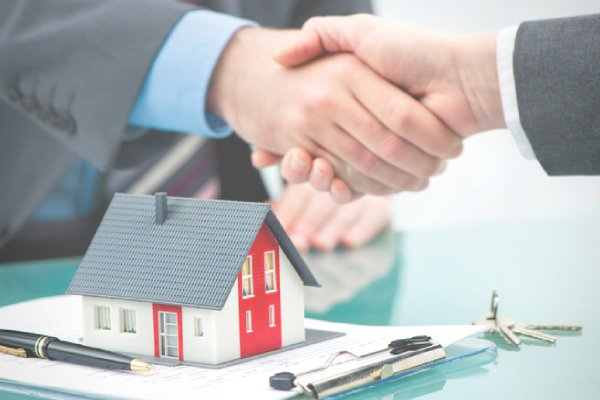Shaking Hands Real Estate- Buying a property in Israel.