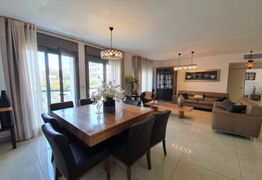 At less than 1.5 thousand shekels per sqm, this city center apartment is a great deal.